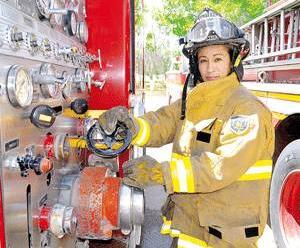 Ocupan mujeres el 10% de las plazas en Bomberos