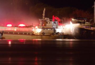 Fallece otro bombero de prefectura en el incendio del barco en Zarate