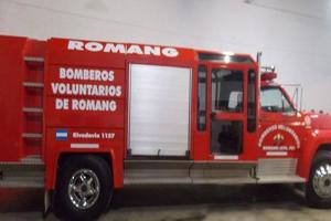 Bomberos Voluntarios de Romang presentaron nueva unidad