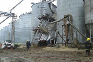 El incendio en la cerealera se apagó tras 27 horas de trabajo