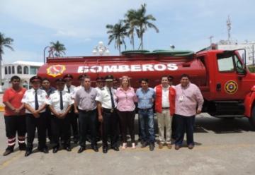 Nuevo camión cisterna de bomberos de Cosamaloapan