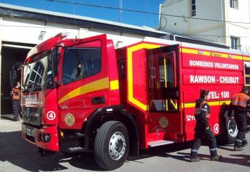 Nueva autobomba incorporó el cuerpo de Bomberos de Rawson