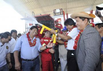 Presidente inaugura la nueva unidad de Bomberos en Yacuiba
