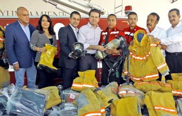(DMPC) recibió una máquina bombera y muchas herramientas