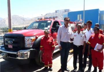 Moquegua: entregan modernos vehículos de rescate a bomberos