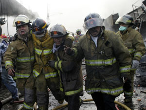Dos bomberos heridos en el incendio de Villahermosa