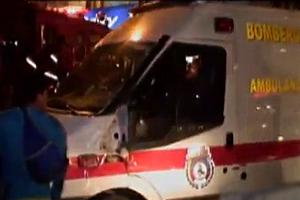 Choque entre una ambulancia de bomberos y un bus