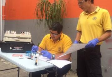 Bomberos utilizan laboratorio móvil para atender emergencias