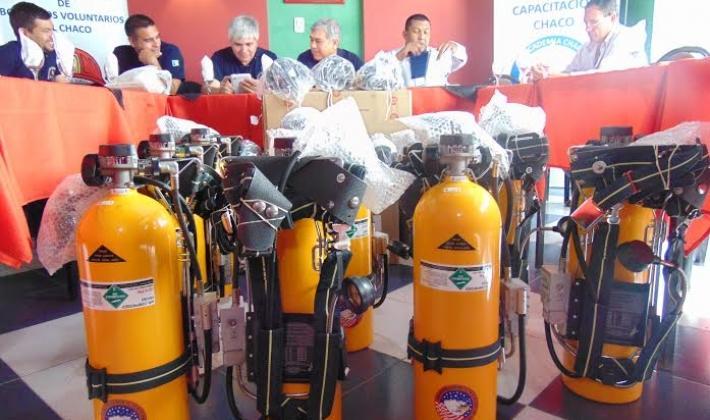 La Federación de Bomberos Voluntarios del Chaco presentó la adquisición de equipamientos