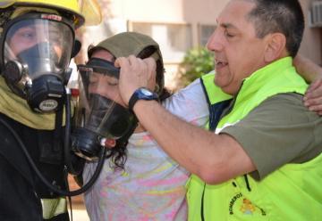 Bomberos recató a una persona en riesgo de morir en un incendio