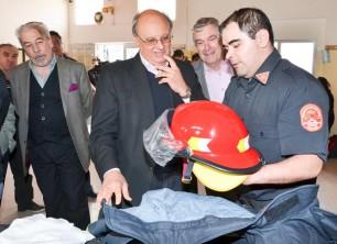 Los Bomberos Voluntarios de Comodoro Rivadavia recibieron $250 mil para adquirir indumentaria