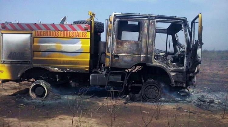 Incendio en Laguna Yema deja un herido y una autobomba quemada