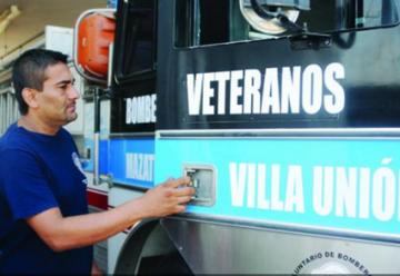 """Operan con """"limosnas"""" Bomberos Veteranos Villa Unión"""