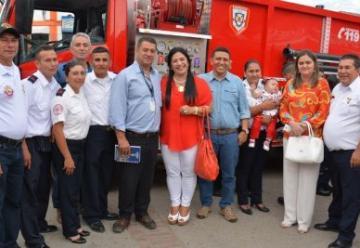 Bomberos de La Plata estrenan máquina