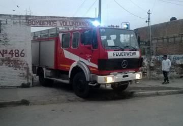 Bomberos de Monterrico cuentan con nueva autobomba