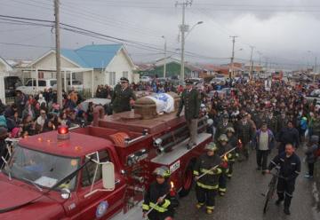 Bomberos de toda la región participaron en la  despedida del cadete mártir de Puerto Natales
