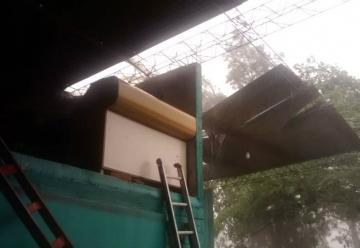 El temporal hizo volar el techo del cuartel de Bomberos Voluntarios