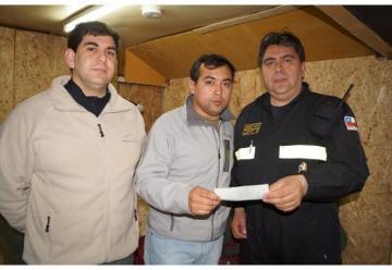 Aportan 1 millón de pesos para siniestrada 2ª Compañía de Bomberos de Puerto Natales