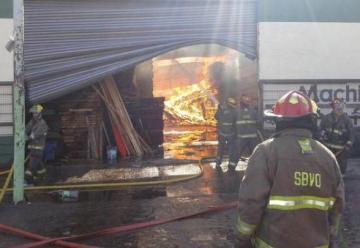 Incendio en maderera de Quilmes