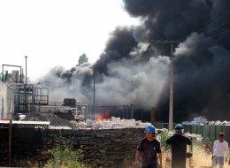 15 compañías de bomberos trabajaron en control de incendio en Quilicura