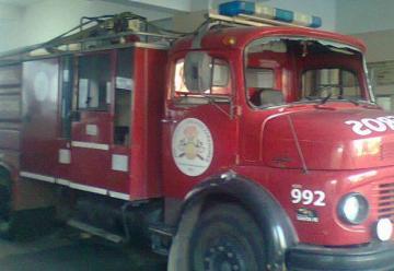 Un policia herido y bomberos atacados en el Barrio San lorenzo