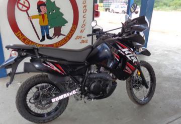 Bomberos de Machiques reciben una moto Klr 650