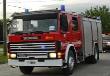 Bomberos Voluntarios de Adolfo G. Chaves han adquirido un nuevo camión Scania