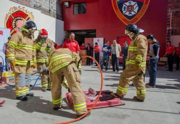 Bomberos se fortalecen con modernos equipos de rescate