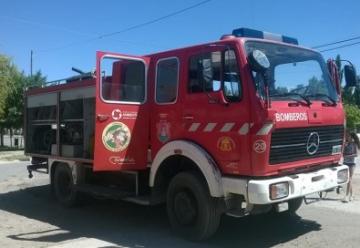 Bomberos Voluntarios de Senillosa recibieron una nueva autobomba
