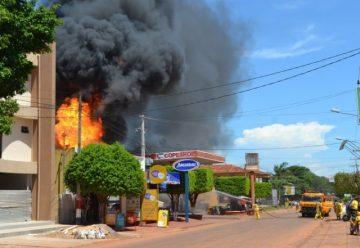 Incendio de gran magnitud en estación de servicio en Curuguaty