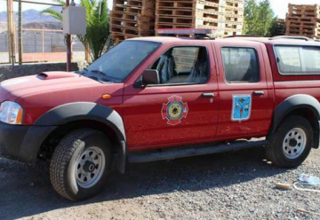 Entregan dos camionetas a Bomberos de Diego de Almagro.