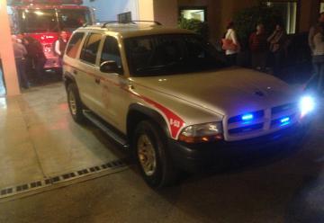 Entrega el alcalde dos unidades al cuerpo de bomberos