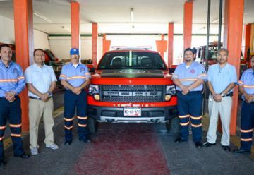 Entregan a bomberos laboratorio móvil para materiales peligrosos