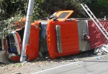 Camión de Bomberos se vuelca en Chepo