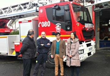 Los bomberos de Ferrol estrenan un camión escalera