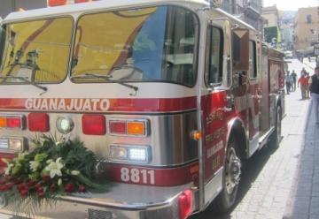 El Presidente Municipal encabezó la entrega de un camión para el H. Cuerpo de Bomberos de Guanajuato