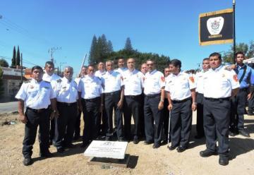 Colocan primera piedra de subestacion de bomberos en Santa Cruz Amilpas