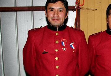 Bombero muere electrocutado mientras combatía un incendio en Metrenco