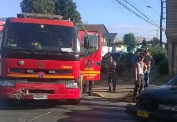 Carro de Bomberos colisionó con taxi mientras se dirigía a emergencia