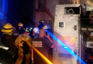 Bomberos heridos tras explosión durante incendio en un local nocturno