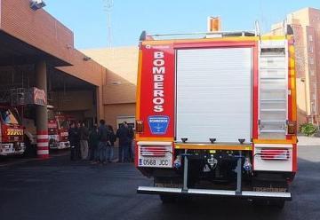 Diputación entrega un camión de bomberos a Almería