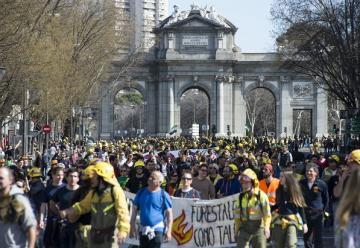 Bomberos forestales recorre Madrid por la dignidad de su profesión