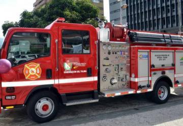 Se equipa cuerpo de bomberos de doce municipios