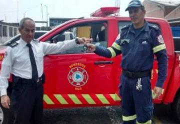 Nilo recibe nueva maquina para el cuerpo de bomberos