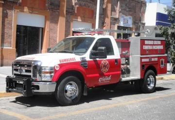 El alcalde de Chapala hizo entrega de un camión semi-nuevo a Bomberos
