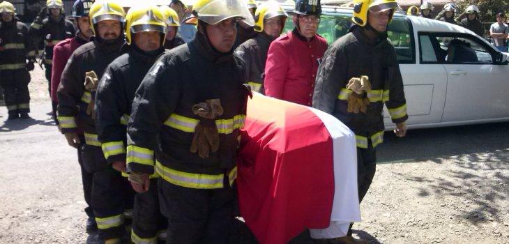 Bombero que murió en Padre Las Casas será sepultado en ceremonia mapuche