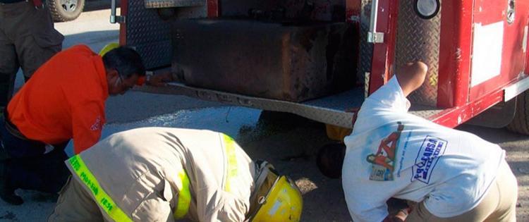 Se incendia casa y bomberos no llegan por falla en camión