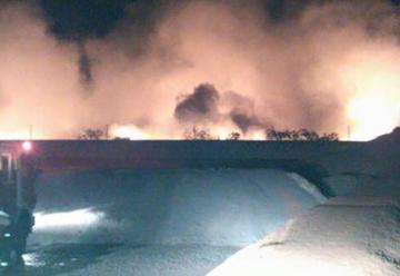 Bomberos controlaron incendio en basural de Bernal