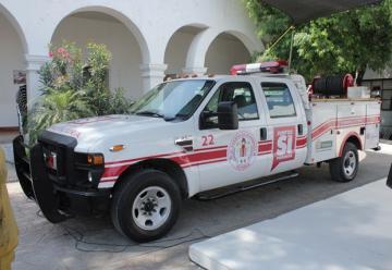 Cuerpo de Bomberos recibió un camión de respuesta rápida