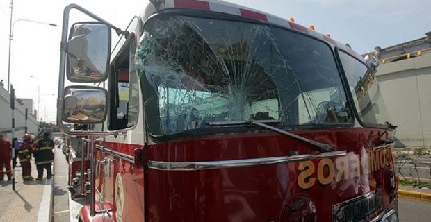Atacan y saquean compañía de bomberos de Cocachacra